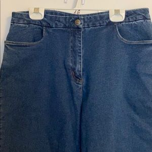 Cotton ginny high waisted shorts below knee